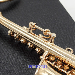 Atacado-1: 12 Design Original Miniatura Instrumento Musical Saxofone com CaseStand Goldtone Bonecas Acessórios de
