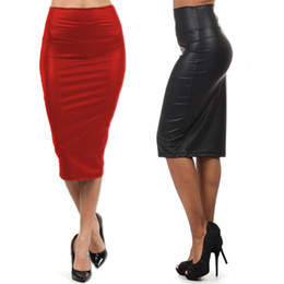 Saia de couro falso vermelho on-line-Atacado-NEW 2015 qualidade Casual saia de cintura alta outono inverno Faux couro saia lápis preto saia de couro vermelho Saia M / L saia longa