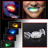 Gros-Halloween LED Flash Light Guard Mouth Piece 4 couleurs Party Tooth Glowing Toy E1Xc