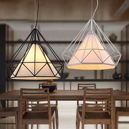 Cage à oiseaux moderne en Ligne-Gros-birdcage lustres moderne minimaliste art pyramide fer lustre créatif restaurant lumières
