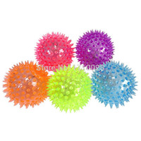 Al por mayor-2015 Flashing Light Up Spikey alta Bouncing Balls novedad sensorial Hedgehog Bola mayorista