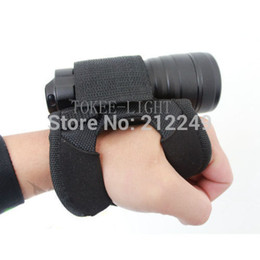 Wholesale Underwater Torch - Wholesale-Free shipping! Hand-Free glove for Light Holder for SCUBA Dive Diving Torch or Universal Flashlight underwater