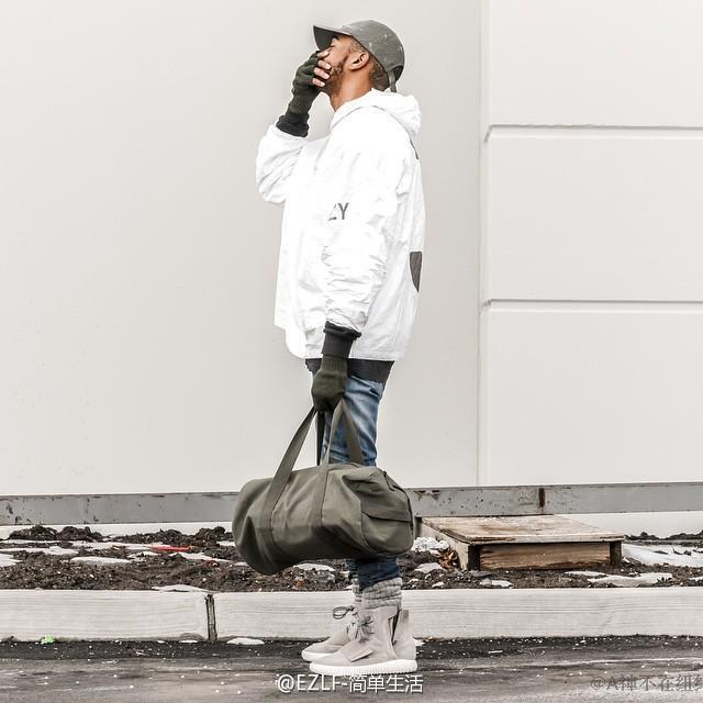 Großhandel Herbst Kanye West YEEZY3 DISORDER Welt Durch LA YEEZUS Tourenjacken Weiß Schwarz Farben Yeezy 3 Windjacke Mantel Oberbekleidung Von