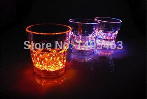 Wholesale-6 x LED Flashing Cup Plastic LED Wine Drink Cup Bar Party Club Color Changing Mug Cup Light-up Cup