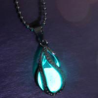 ingrosso pietre scure-Ciondolo collana incandescente all'ingrosso-moda goccia d'acqua ardente pietra gioielli fascino bagliore nel buio pendenti collana regalo per le donne