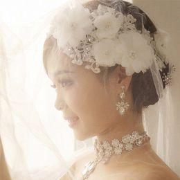 casacos florais para casamentos Desconto Atacado-Elegante Ajustável Strass Pérola Flor De Renda Floral Cabelo De Noiva Testa Headband Headpiece Partido Casamentos Proms