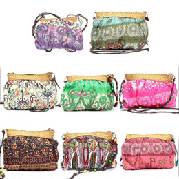 Wholesale bohemian purses - Wholesale-Summer Bohemian Beach Straw Women Bag Fashion Handmade Cute Purse Party Wedding Novelty Match Shoulder Casual Bags Ladies