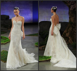 Wholesale Ines Di Santo Wedding Dresses - 2015 Lara Trumpet Wedding Dresses Sheer Sweetheart Neckline Ines Di Santo Mermaid Lace Bridal Gowns Appliques Detachable Train Bow Backless