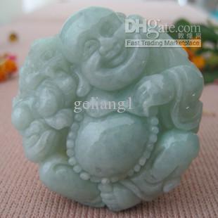 送料無料 -  Jade Amletペンダント、手を彫り、笑っている仏の形の形。