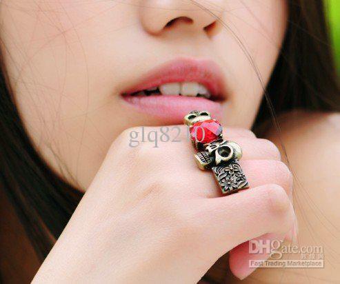 2011 Ny vintage röd ädelsten ringar personlighet rubin skalle blomma dubbelring bäst sälja / parti