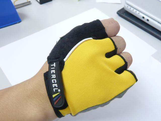 Nya sportcykelhandskar som kör handskar Sporthandskar Fingerless Gloves Half Finger Cykel Tiercel BXY002 Gratis frakt