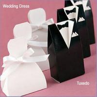 gelin elbisesi hediye kutusu toptan satış-Sıcak Gelin Damat Şeker Kutusu Düğün Favor Şeker Hediye Kutuları Kıyafeti Smokin 100 adet