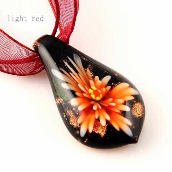 Liść Kwiat Wewnątrz Włoski Glitter Lampwork Dmuchanie Murano Szkło Wisiorki Na Naszyjniki Wysokiej Mody Biżuteria MUP025