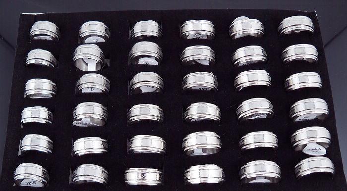 10mm ROTATE SILVE TONE Pierścień Pierścień Ze Stali Nierdzewnej Pierścionki Moda Biżuteria 50 sztuk Mieszane
