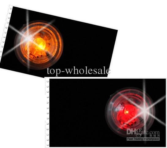 Die neueste 2 x neue magnetische Blitzlicht-Clip auf Ohrringe blinkende Weihnachtsgeschenke Lager /