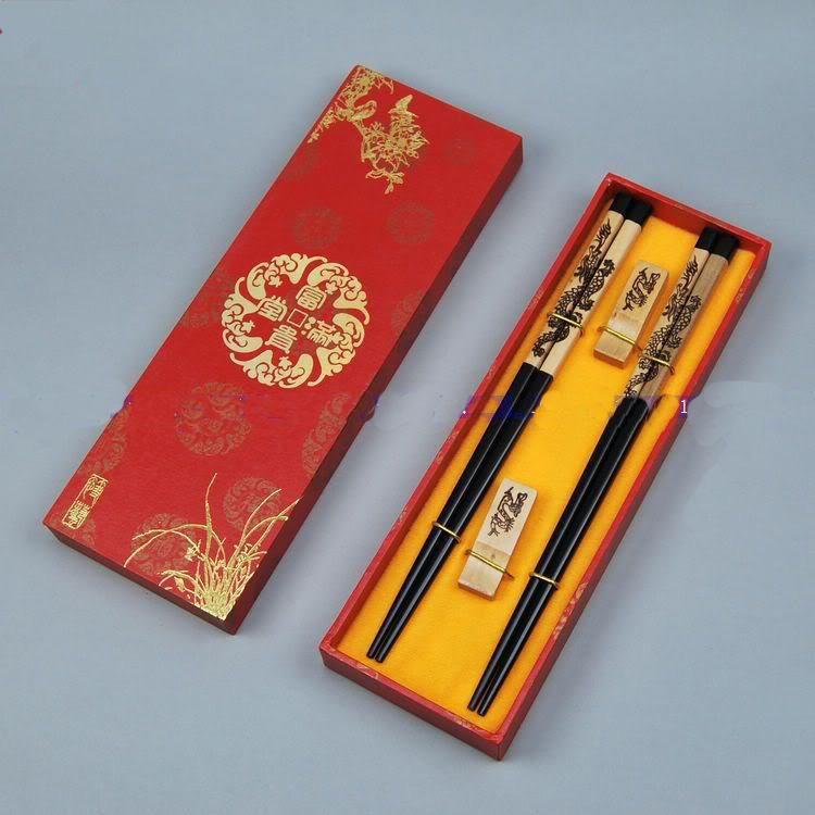 Hoge kwaliteit eetstokjes geschenken houten gegraveerde Phoenix met geschenkdoos 2 sets / pack (1 set = 2pair) gratis