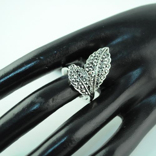 Новые кольца дизайн двойной лист твист сплава горный хрусталь колледж кольцо обручальные кольца старинные кольца RN-498