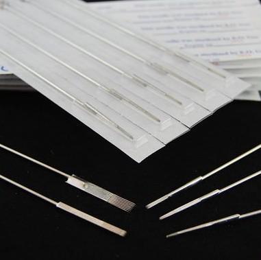 뜨거운 프로 50pcs / lot 3RL 미리 만들어진 멸균 된 문신 바늘 일회용 문신 총 키트 공급