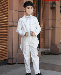 Costumes Blancs Garçons Élégants Pas Cher-Frac élégante Mode enfants Blanc Tuxedo Costume Set Anniversaire Fashion Casual Marque Formal Boy mariage Costumes Blazers 5PCS Set