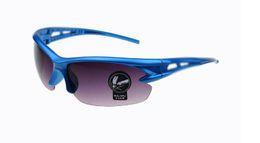 ¡Caliente! Precio de fábrica Marca de moda clásica Gafas de sol UV400 Material de deportes al aire libre Seguridad a prueba de explosiones Correr Deportes Gafas protectoras en venta