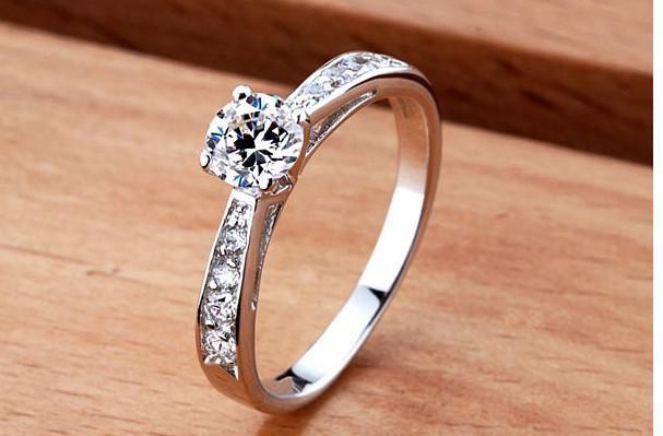 2014 الأزياء 925 الفضة خاتم الزفاف خواتم الخطبة السويسرية خواتم الماس هدايا عيد الحب