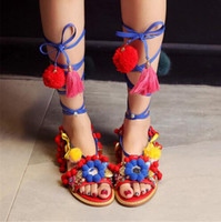 Bohe style ethnique Chaussures de piste Femme Ankle Tie Flat Sandals Colorful Ball Beading Fringe Gladiator Sandales Chaussures Femme Sandalias