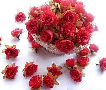 500個/ロット人工シルクシミュレーションローズローズバッドフラワーヘッド椿の花葉の結婚式のクリスマス6色3cm