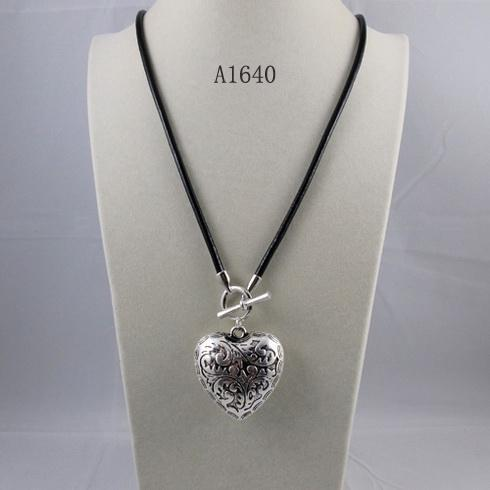 특별 디자인 보석 목걸이 실버 심장 블랙 가죽 문자열 목걸이 31''inch 긴 목걸이