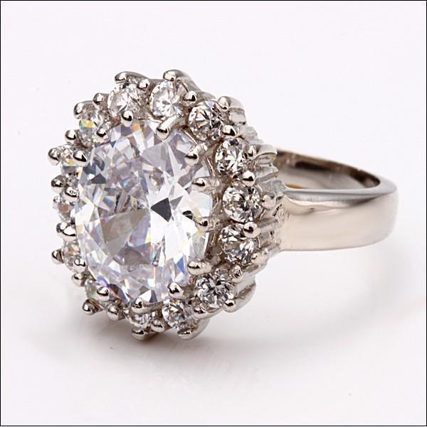 Najwyższej jakości 18k Gold Intaid Cyrkon Princess Pierścionki zaręczynowe Moda Biżuteria Prezent Darmowa Wysyłka 10 sztuk / partia