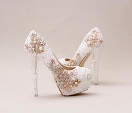 Flowered Evening Shoes UK - White Pearls Bridal Bridesmaid Wedding Shoes Flower Prom Evening Night Club Party Super High Heels Hand-made Crystal Cinderella Shoes