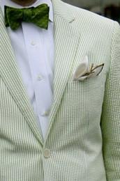 2017 verde a rayas de algodón Seersucker Tuxedo Designs trajes de baile para hombres desgaste del novio hombres traje chaqueta trajes de boda para hombres (Jacket + Pants) desde fabricantes