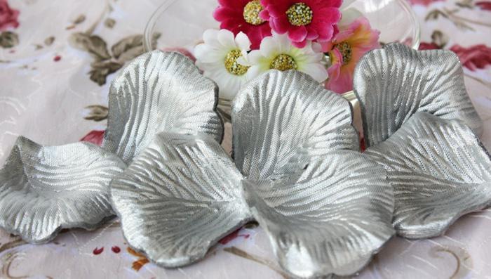 Silver Silk Rose Petals Bröllop Favor Party Flower 20 Väskor 100 st väska