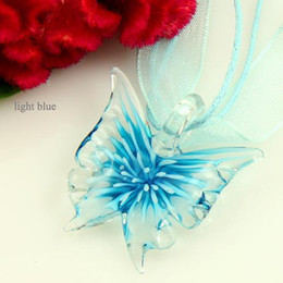 Wholesale pretty butterflies - Pretty Butterfly with flower inside venetian lampwork murano glass handmade italy pendants for necklaces fashion jewelry Mup085