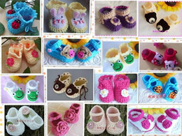 2019 tecido padrão sapatos bebê Bebês RECÉM NASCIDO Mary Janes Sapatos Botinhas artesanais de crochê Rosa creme NOVO