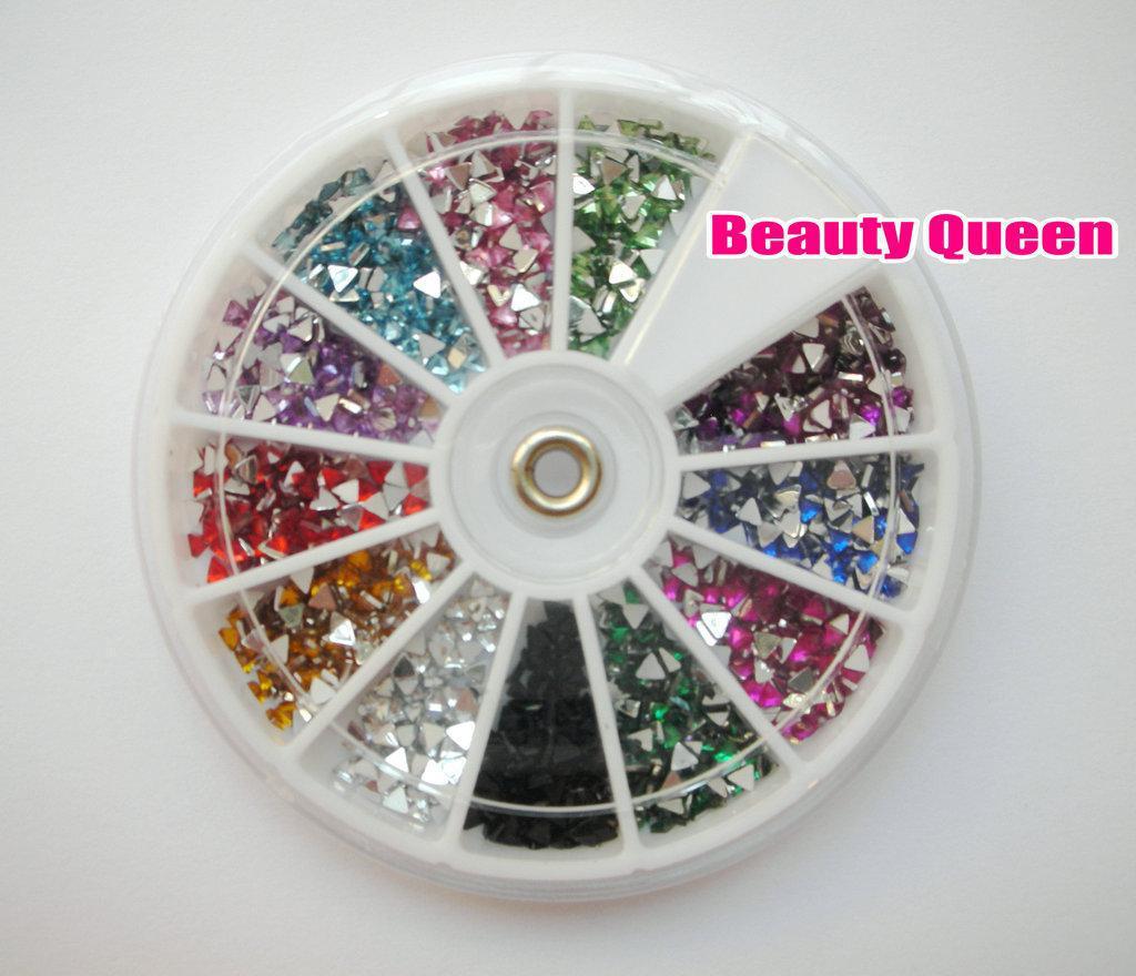 1800 stks Tripangle Gems Rhinestone Glitter Nail Art Kralen Acryl Tips Acrylicstone in Wheel