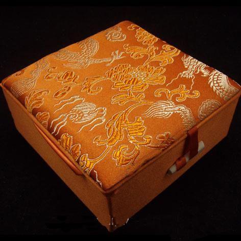 Brocade Bangle scatola scatole regalo 48pcs dimensioni 4x4x1.8 Gioielli pollici / miscela del lotto del cotone di seta di colore Filled