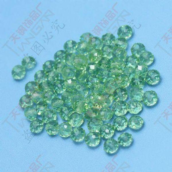 100pcs un sac en gros charme vert facettes 10mm charmant boule ronde cristal lâche perles de verre, fabriqué en Chine