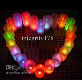 Partihandel - LED-ljusljus Voice-Actived Candles lyser utan röstkontroll.