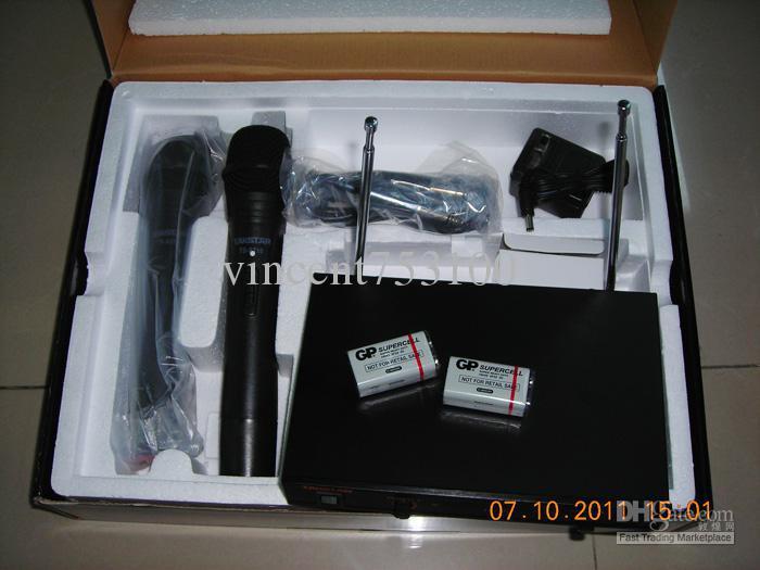 Takstar TS-6310 Handhållen trådlöst mikrofonsystem som håller händerna med detaljhandeln för hushåll och på scenens prestanda