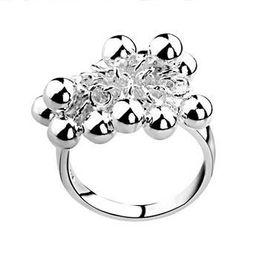 0efe6cd65715 Venta al por mayor - - Al por menor precio menor regalo de Navidad 925  anillos de plata Anillo de uva Europa y América joyería de plata anillo de  bola R016