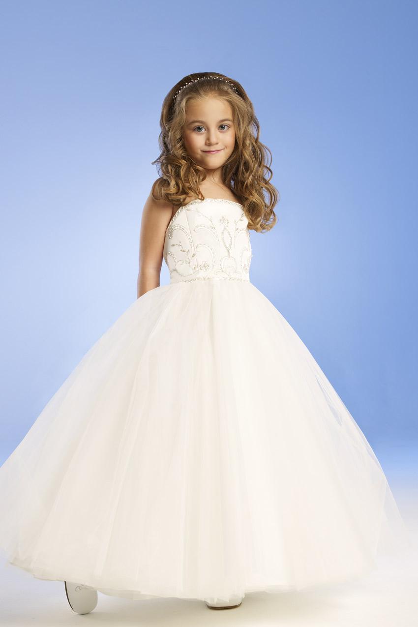 Acquista 4 10 Anni Di Età 2014 Vestiti Ragazza Di Fiore Con A Line Senza  Spalline In Raso Bianco Flower Girl Dress Bambini Abiti Da Damigella  D onore N99 A ... d58a98988cd