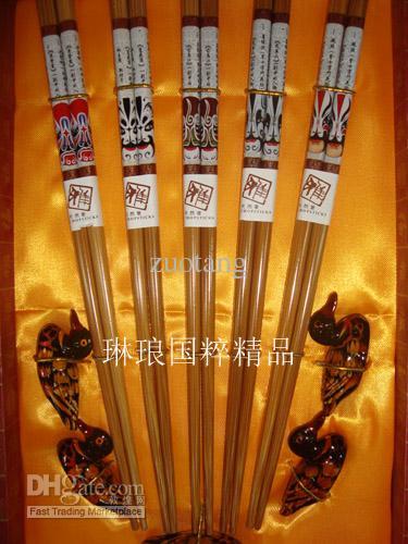 Hoogwaardige creatieve eetstokjes Houtdruk Peking Opera Crafts met geschenkdozen