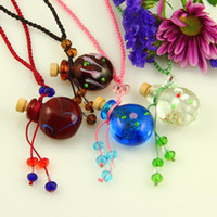 Wholesale Glass Bottles Suppliers - Round aromatherapy pendants necklacesmall wish bottle pendant necklace wholesale supplier Italian murano glass with flower jewelry Mun013