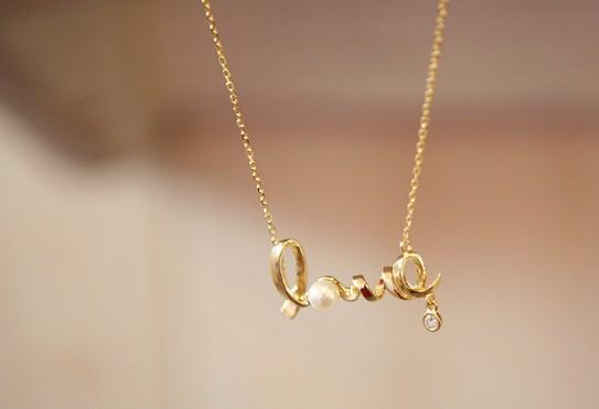 wholesale around the love in your heart love pendant necklace gold
