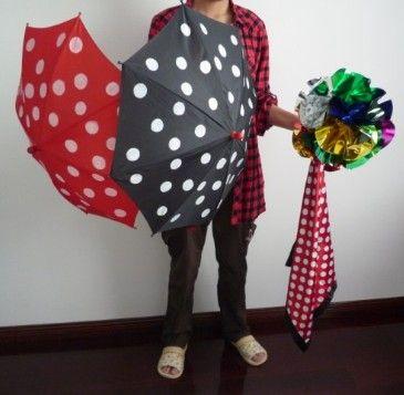 Ombrello di seta a pois: trucco magico, oggetti di scena, giocattoli magici, spettacoli di magia, produzione di parasole