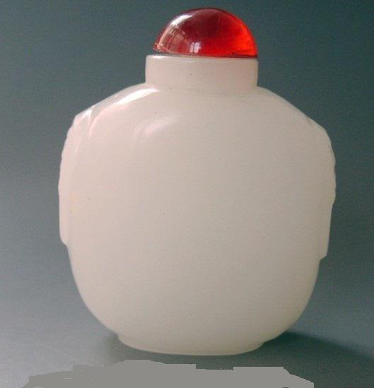 Antique / snuff bottles. Natural white jade. Hand-carved. Christmas Gift