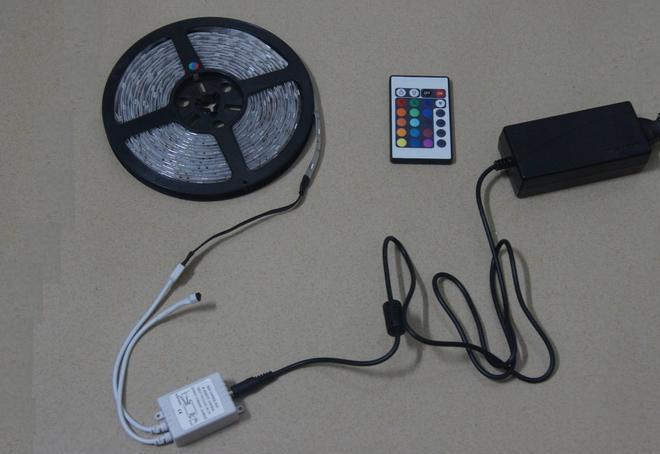 - 12V 6A 24KTY IR CONTROLLER Fjärrkontroll för 3528 5050 SMD RGB LED-bandljus