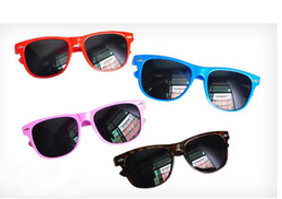 Wholesale Colored Frames Glasses - 2016 classic mainstream straight colored glasses m nail sunglasses sunglasses beach sunglasses 14 colors Free shipping send