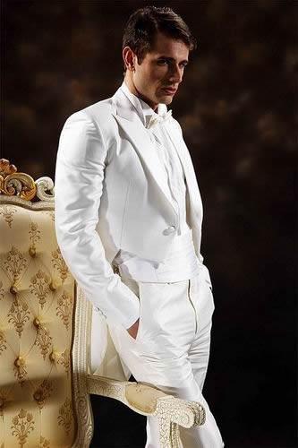 Classic Design Peak Lapel Whitetailcoat Handsome Groom Tuxedos Mäns Bröllopsklänning Brudgroom Prom Kläder Jacka + Byxor + Tie + Girdle A3030