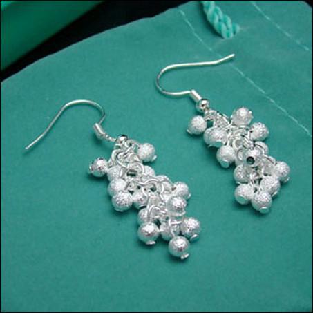 Los más vendidos 925 pendientes de uva esmerilados de plata regalos de joyería de moda envío gratis 10pairs / lot